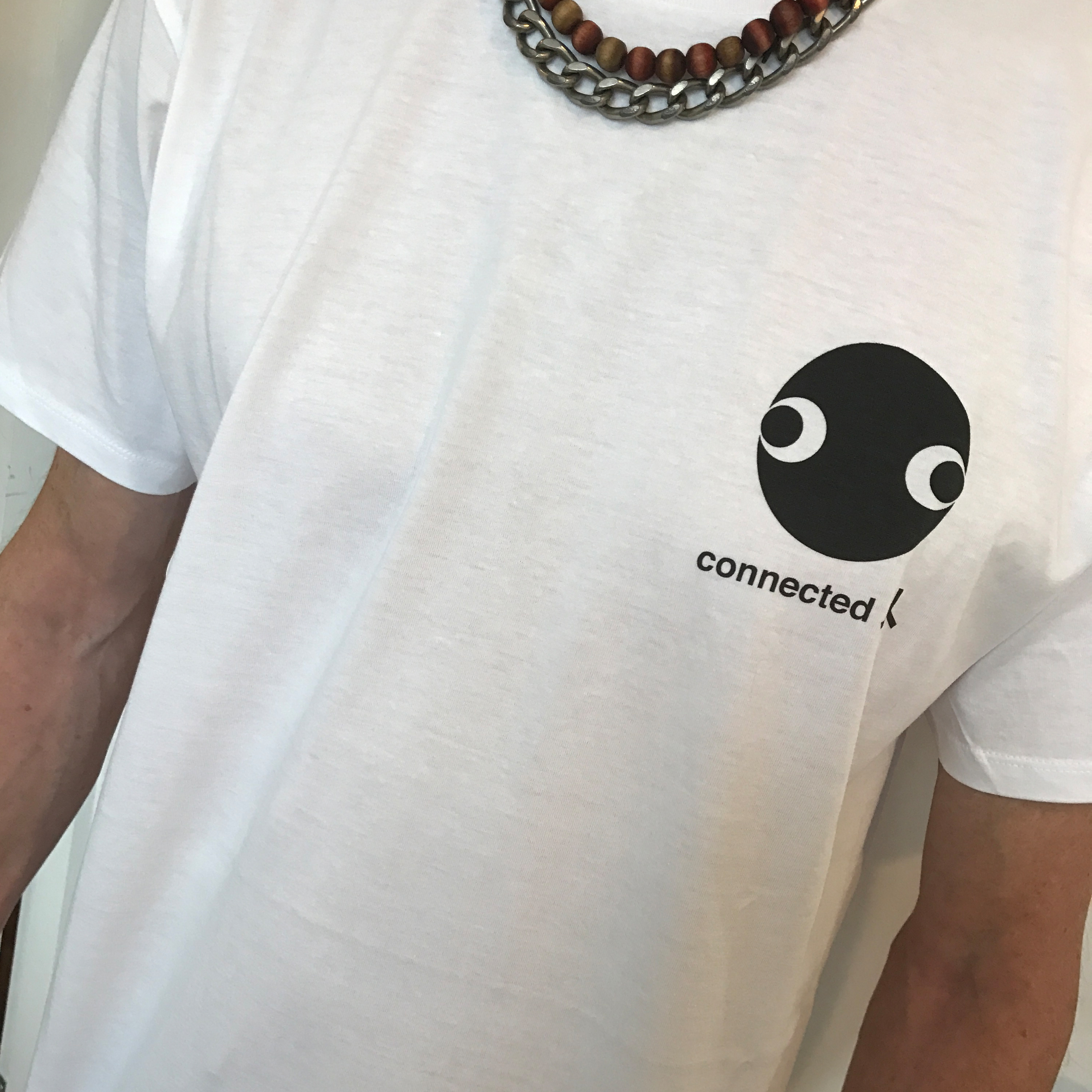 connected face logo organic tshirt